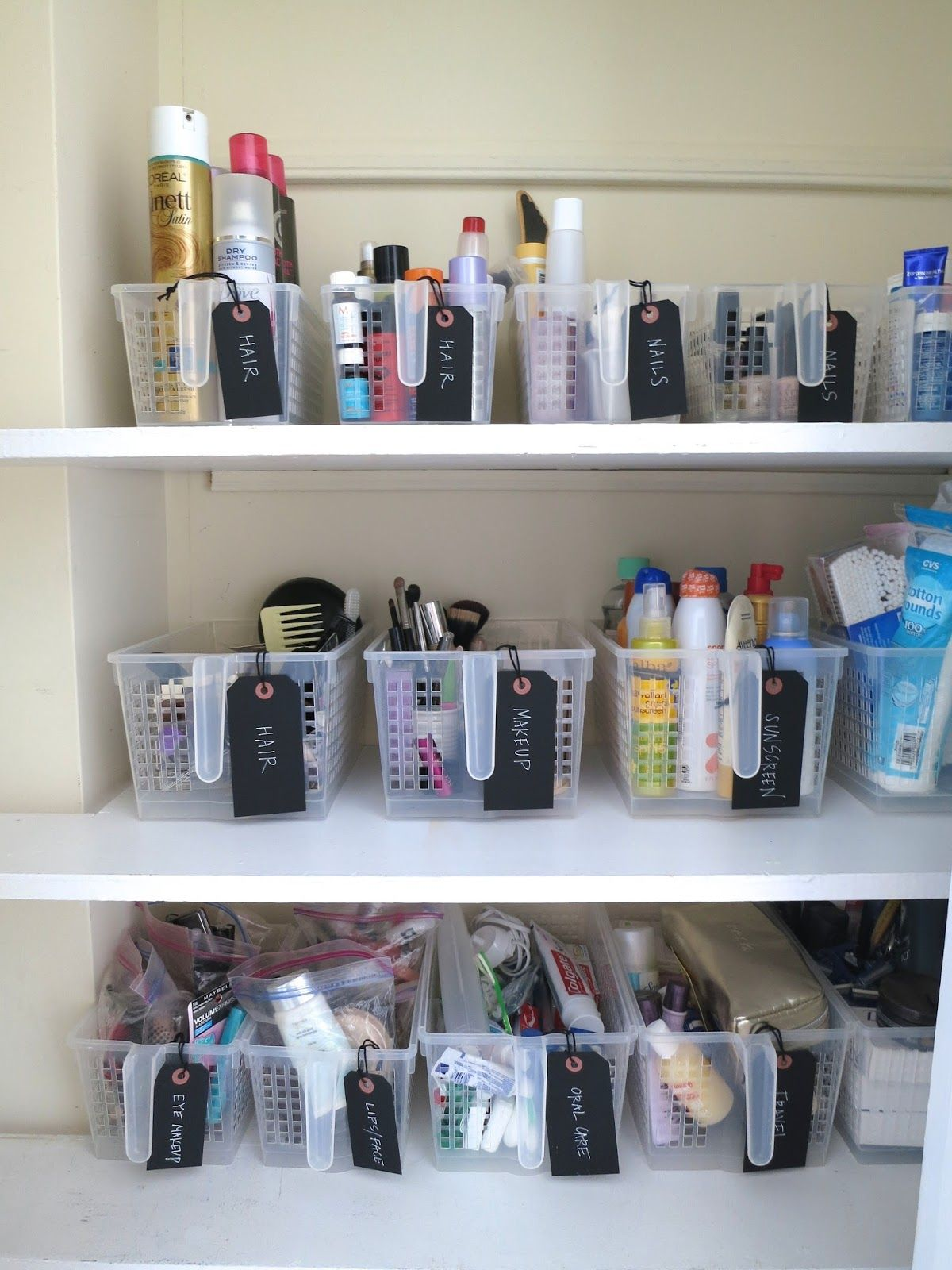 Carlee With Deliciously Organized Shares How Grouping Like Items And Labeling Created Th
