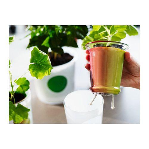 JUBEL Altakasteluruukku IKEA Pitää kasvin kunnossa, vaikka sitä ei kasteltaisi säännöllisesti. Kasteluosa pitää huolen, että multa säilyy kosteana.