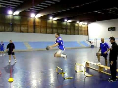Préparation physique intégrée au handball - YouTube ...