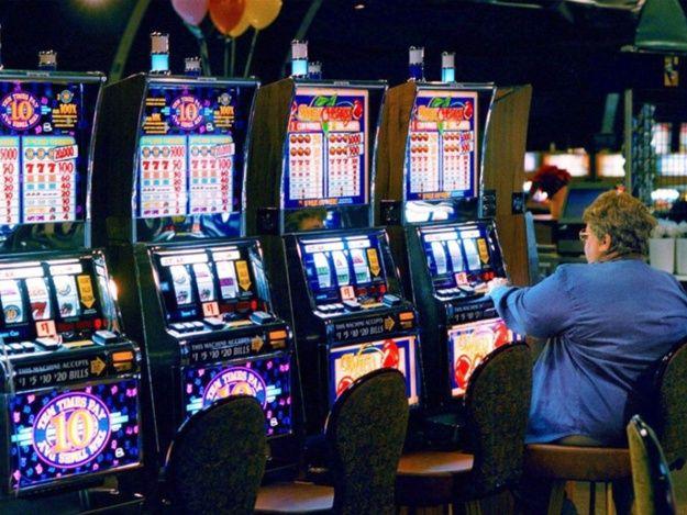 Интернет клубы игровые автоматы игровые автоматы убийство 2006 москва