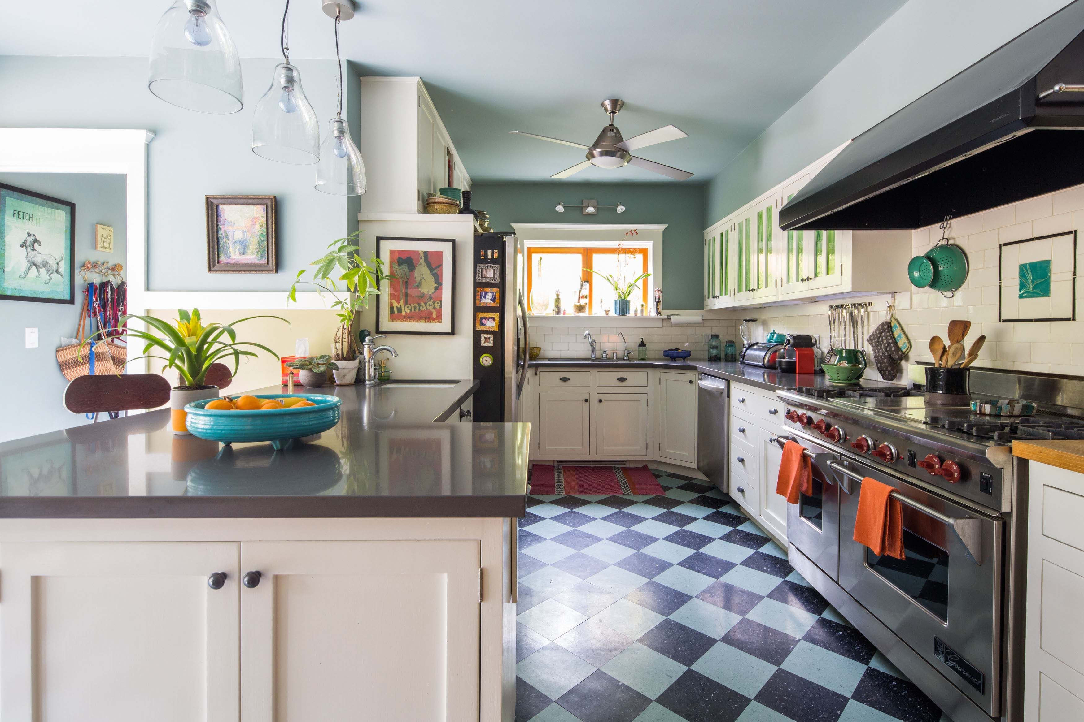 Hopeless Fixer Craftsman Dream in Hollywood
