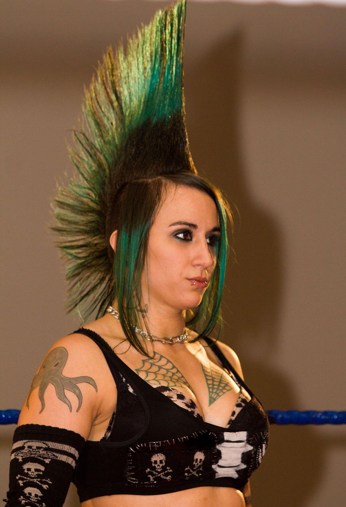 Imagini pentru chelsea hawk haircut mostly punk pinterest
