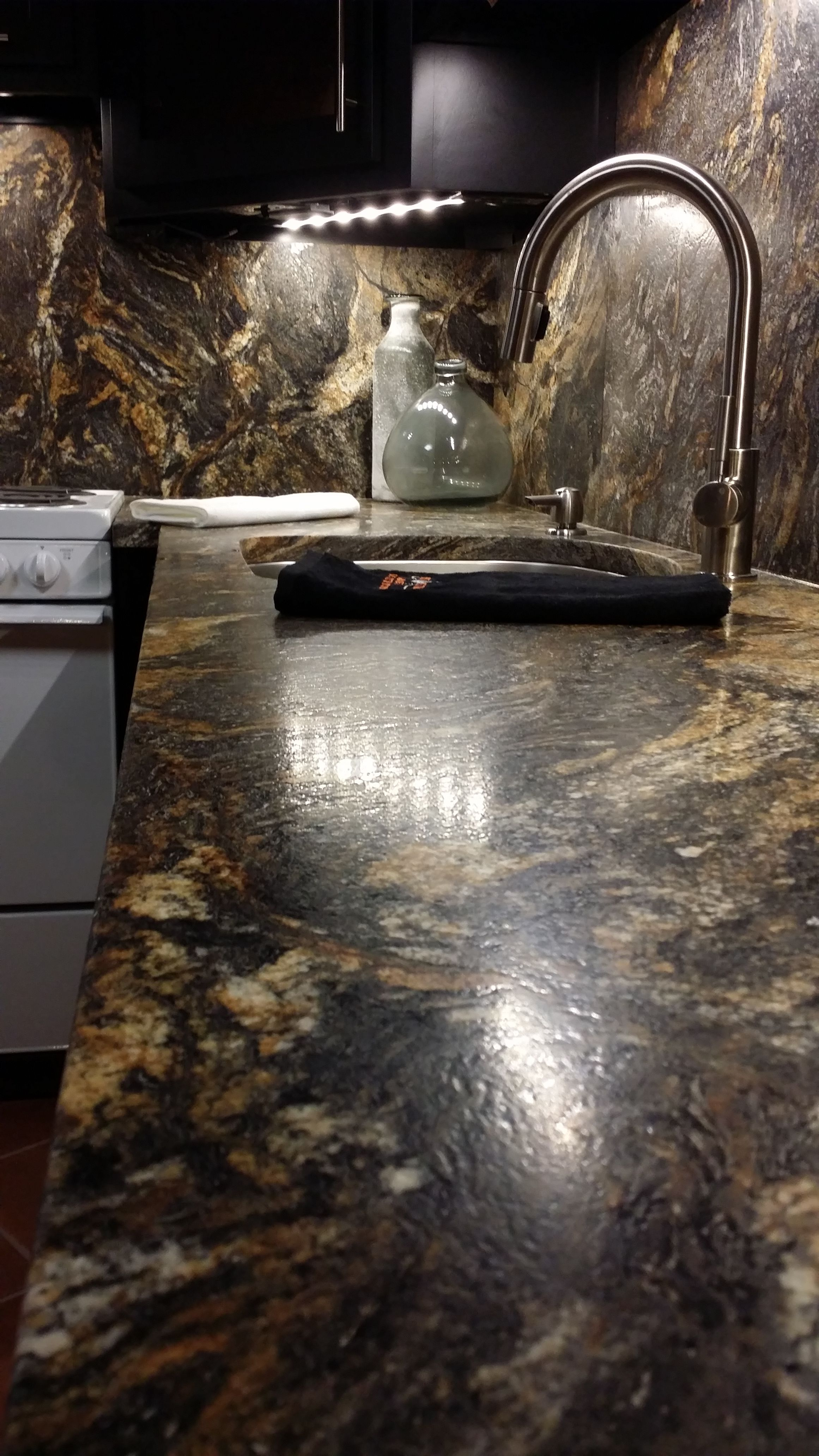 The Johnson Family Project Is Finally Complete Kitchen Install In Magma Leathered Granite Simply Gorgeous