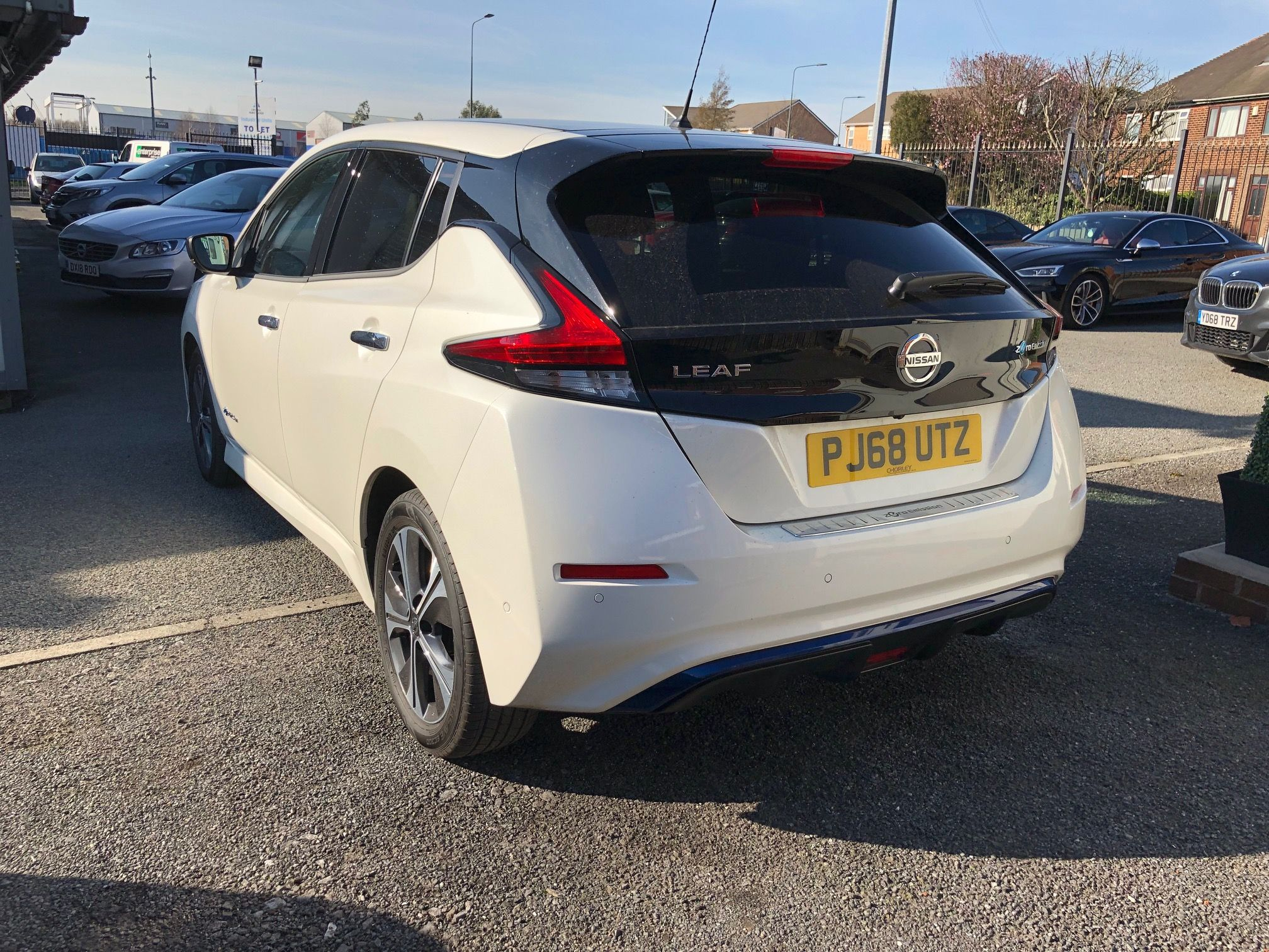 The Nissan Leaf Hatchback 110kw Tekna 40kwh 5dr Auto Electric Car Leasing Deal