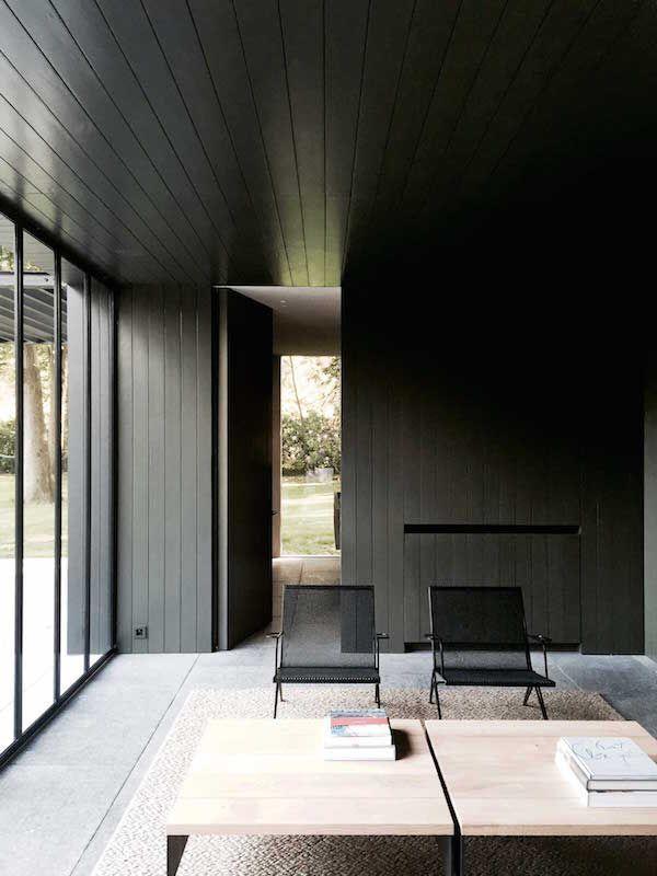 Salon moderne chic en noir et gris | Modern black and grey ...