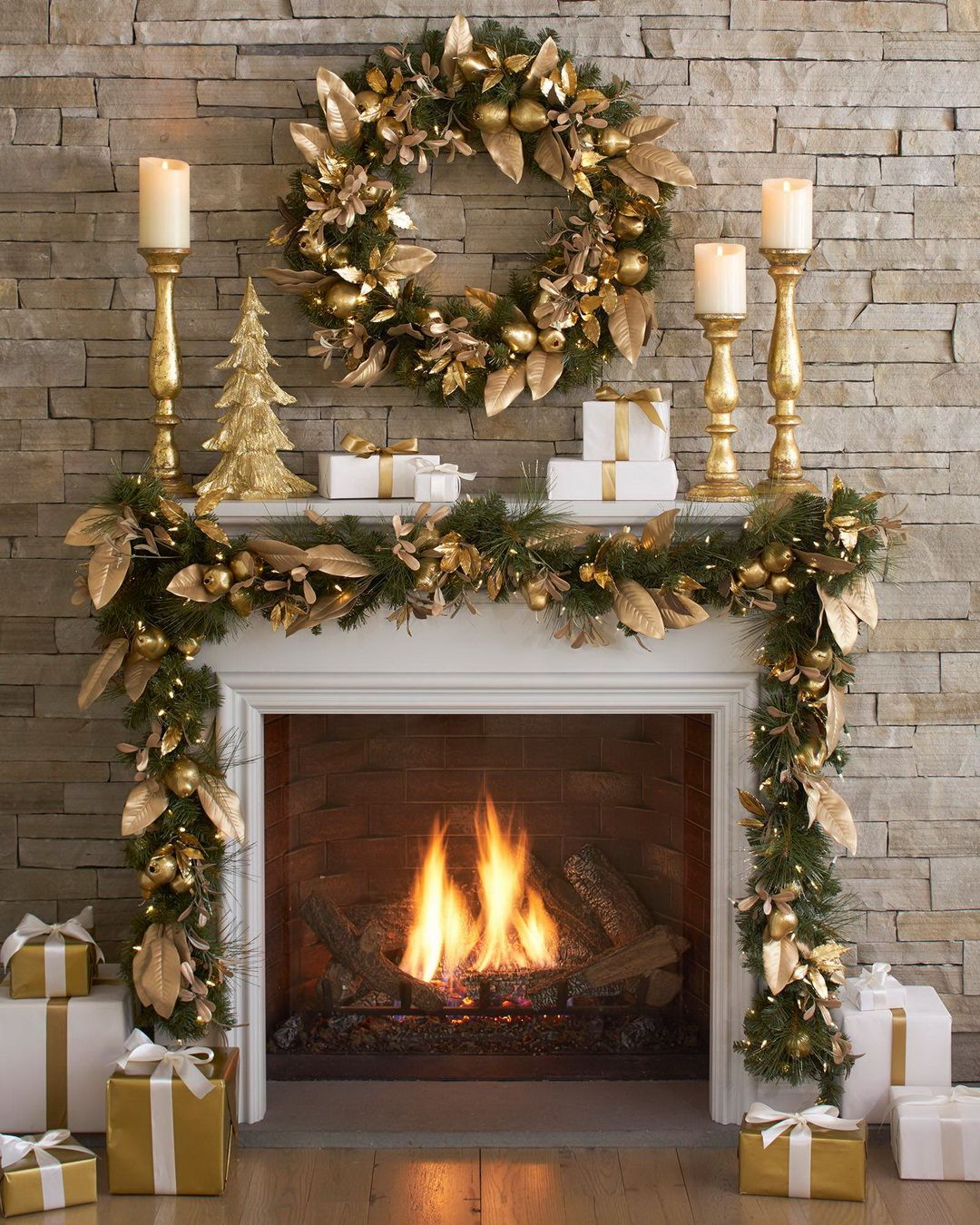 29 Dazzling Pre-Decorated Christmas Wreaths @BalsamHill | Christmas ...