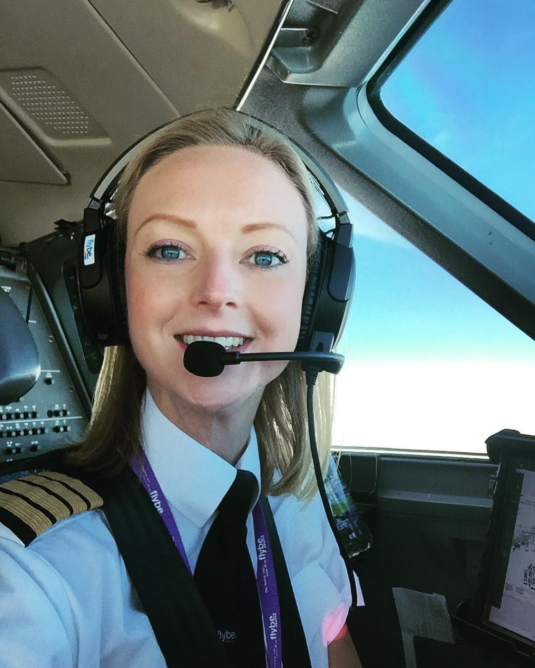 Airline Milf pin on female pilots
