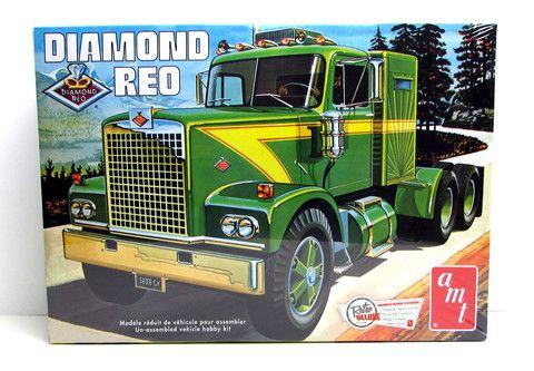 Diamond Reo Tractor Big Rig AMT #719 1/25 New Semi Truck
