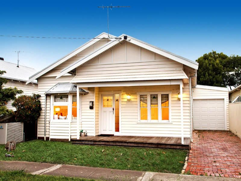Barn Weatherboard Californian Bungalow House Exterior
