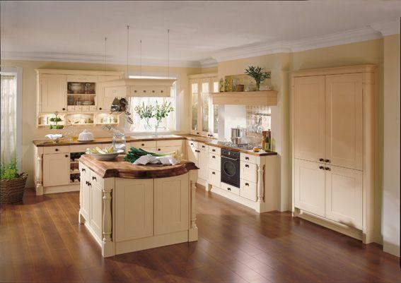 Küche-landhausstil-helle-farbtöne