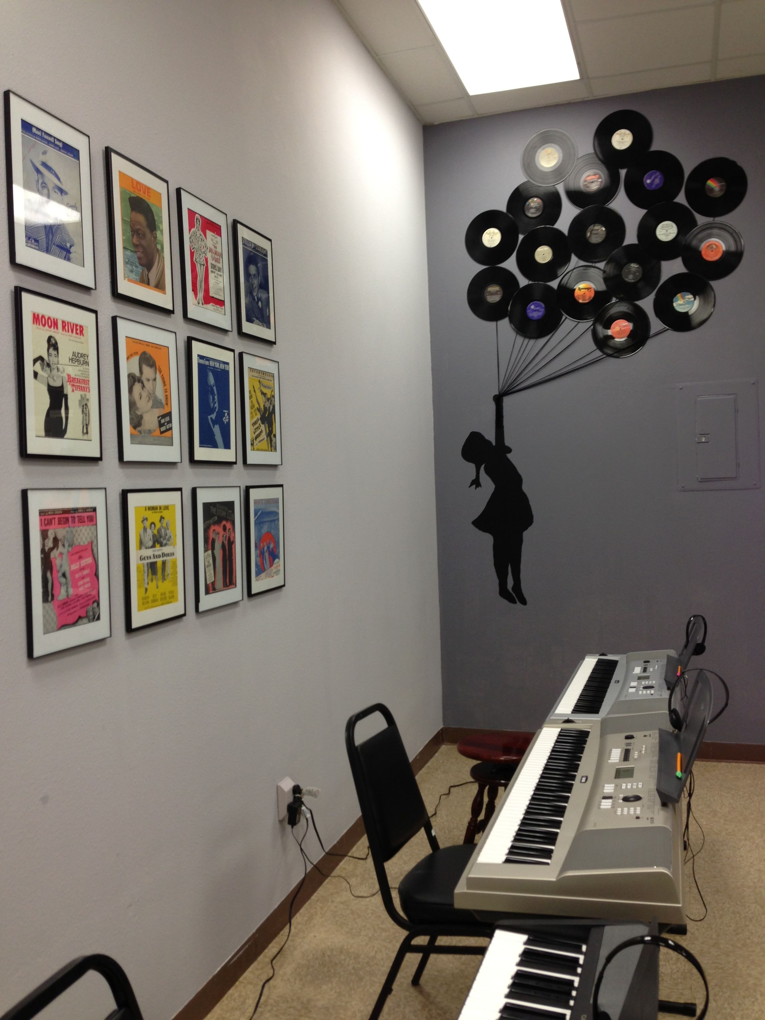 Diy music studio decor old sheet music framed little for Music studio design software