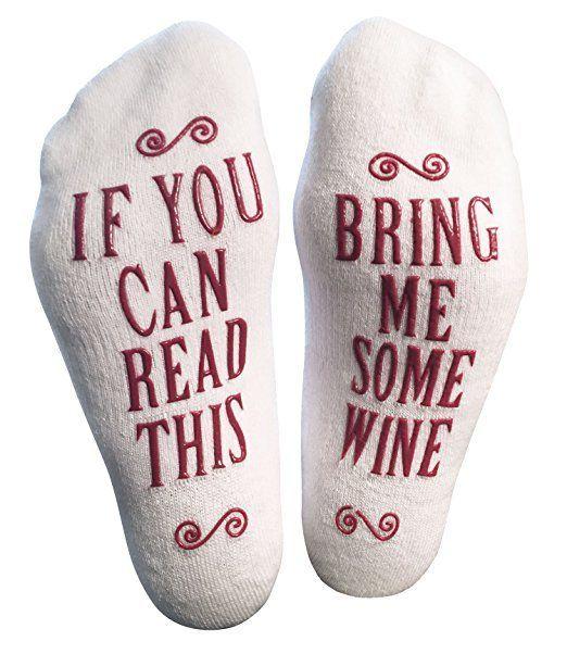 En tot slot: deze sokken, voor iedereen die te lui is om een glas wijn te pakken