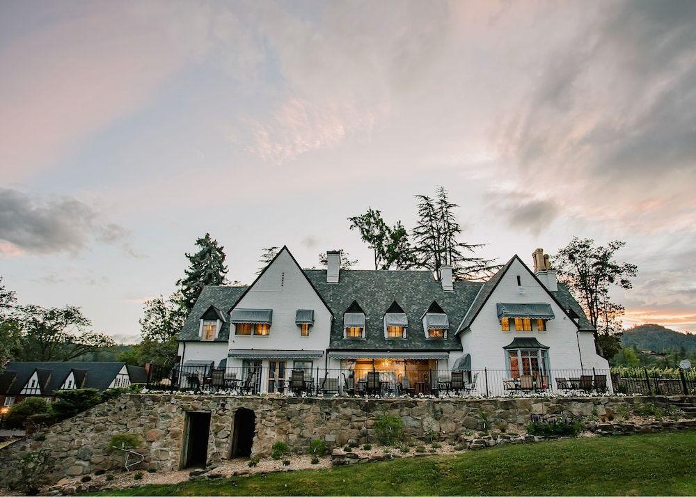 Hummingbird Estate Wine Suites In Medford Or Expedia Suites