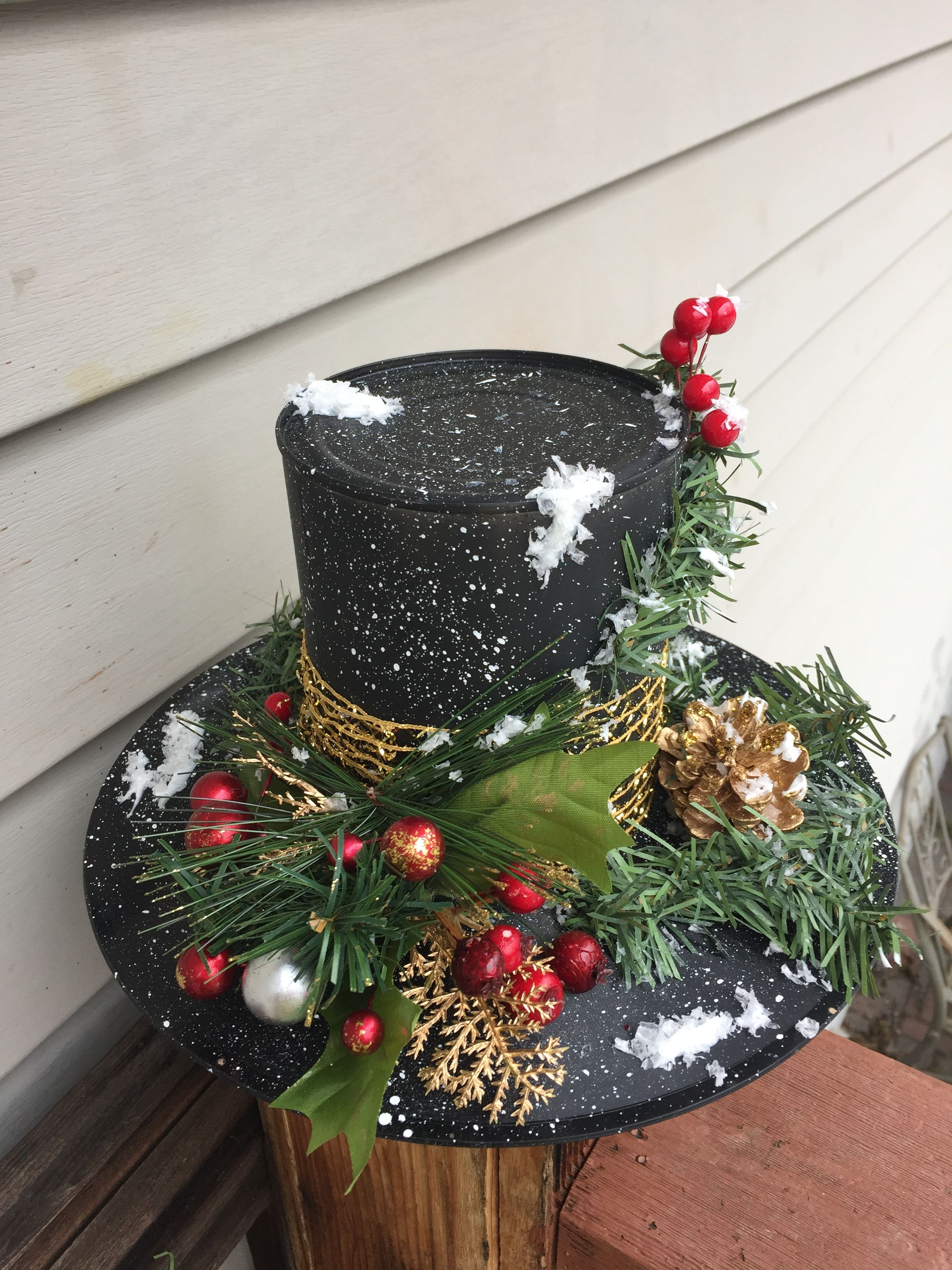Snowman Hat Centerpiece. I made this with a coffee can and