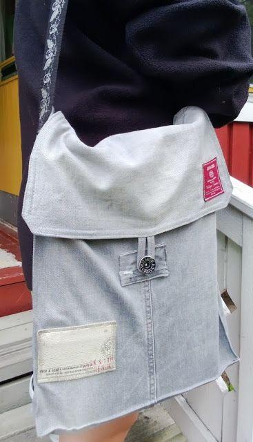 Diy shoulder bag from old jeans.  Tuunausta ja tekeleitä