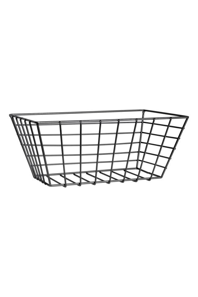 Small metal wire basket | Wire basket, Kitchen utilities and Metals