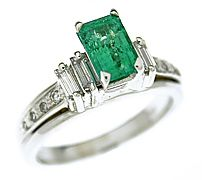14K WHITE GOLD 0.87 CT EMERALD CUT EMERALD AND DIAMOND RING  Auction date: Aug 21, 2008  Sold for: $950