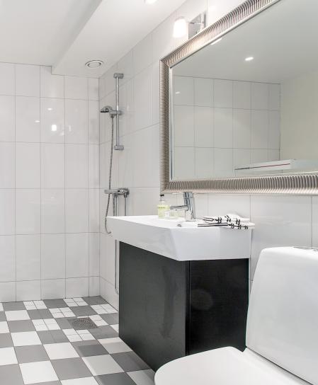 Inredning tvättstuga klinker : 17 Best images about Bathrooms on Pinterest   Mirror cabinets ...