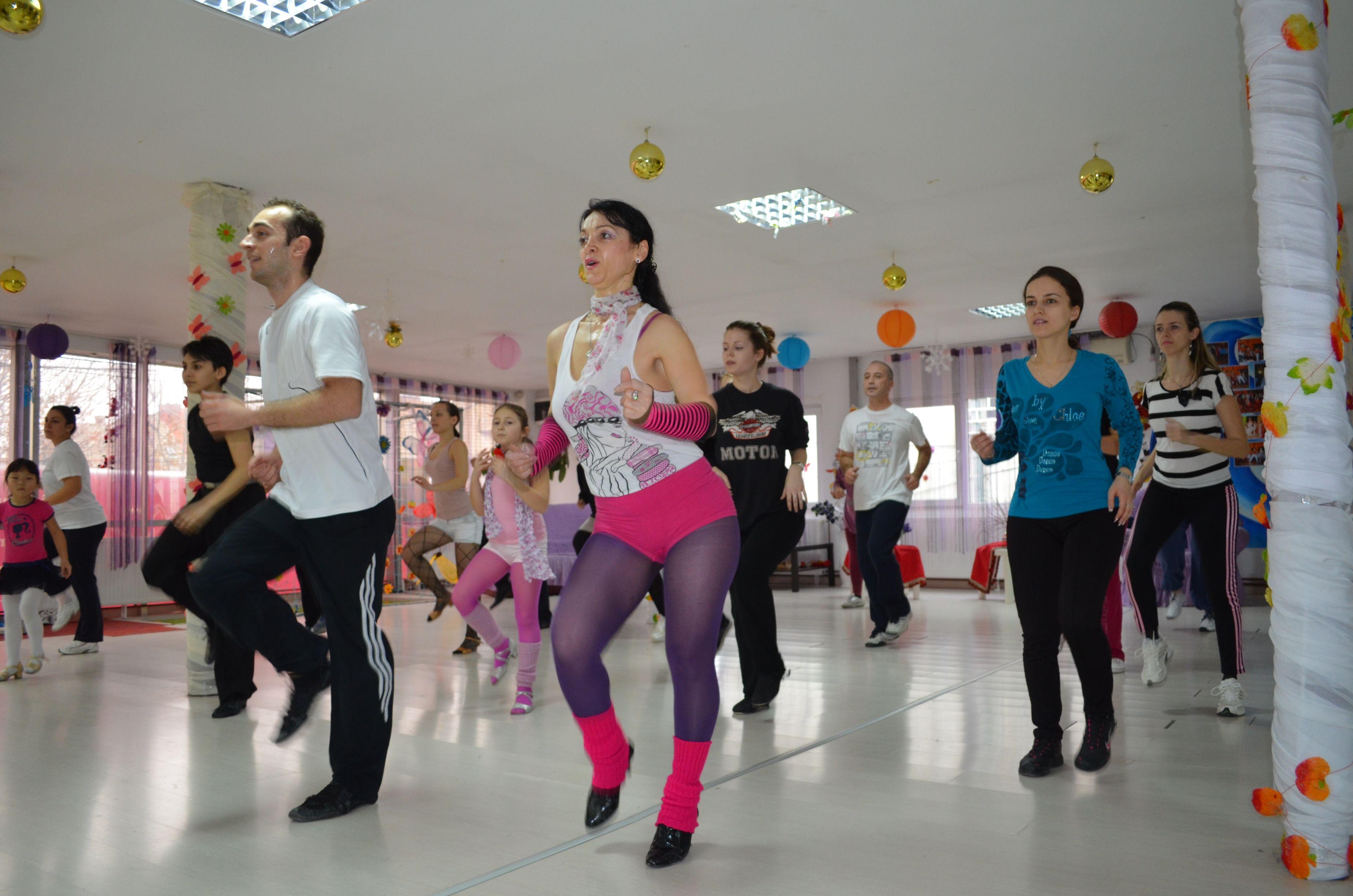 http://www.lotusdance.ro/cursuri-de-dans-grupe-adulti/  Cursuri de dans adulti