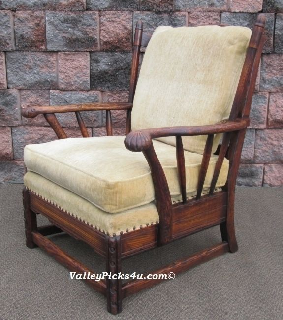 Antique Jamestown Lounge Co. FEUDAL OAK Captains Arm Chair Seat - For Sale - Vtg Solid Carved Oak Feudal Set Jamestown Lounge Co