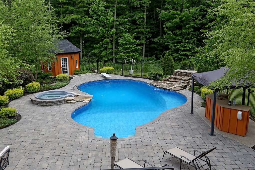 Secluded estate on over 12 acres 9860 highway 20 - Swimming pools burlington ontario ...
