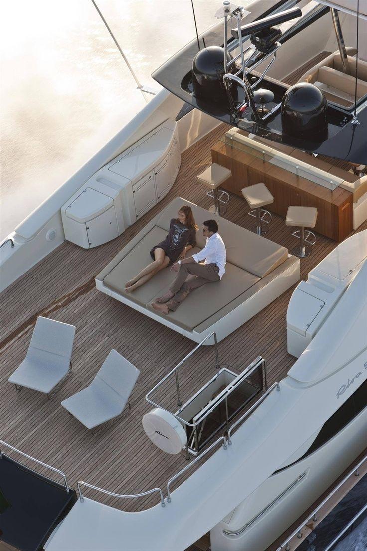 Country Club   Yachting on Luxury Cruiser- ~LadyLuxury~ -