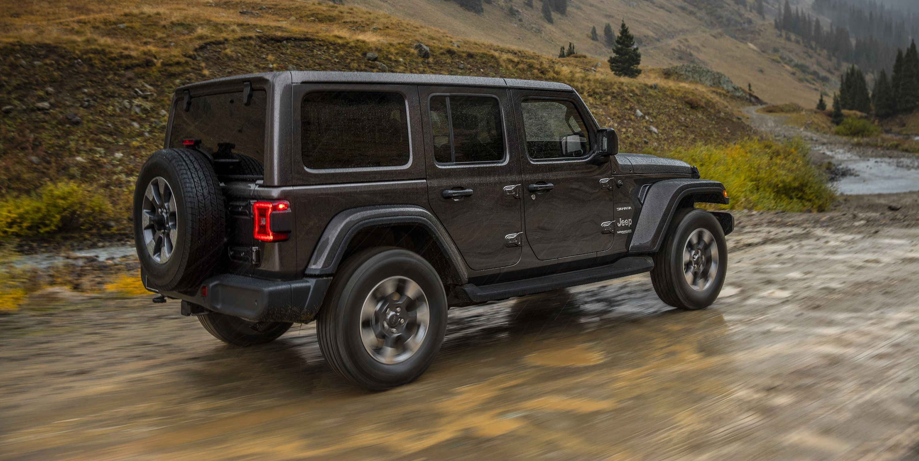 The 2020 Jeep Wrangler Is Getting A Torquey Diesel V 6 Jeep Wrangler Diesel Fuel Economy Jeep Wrangler