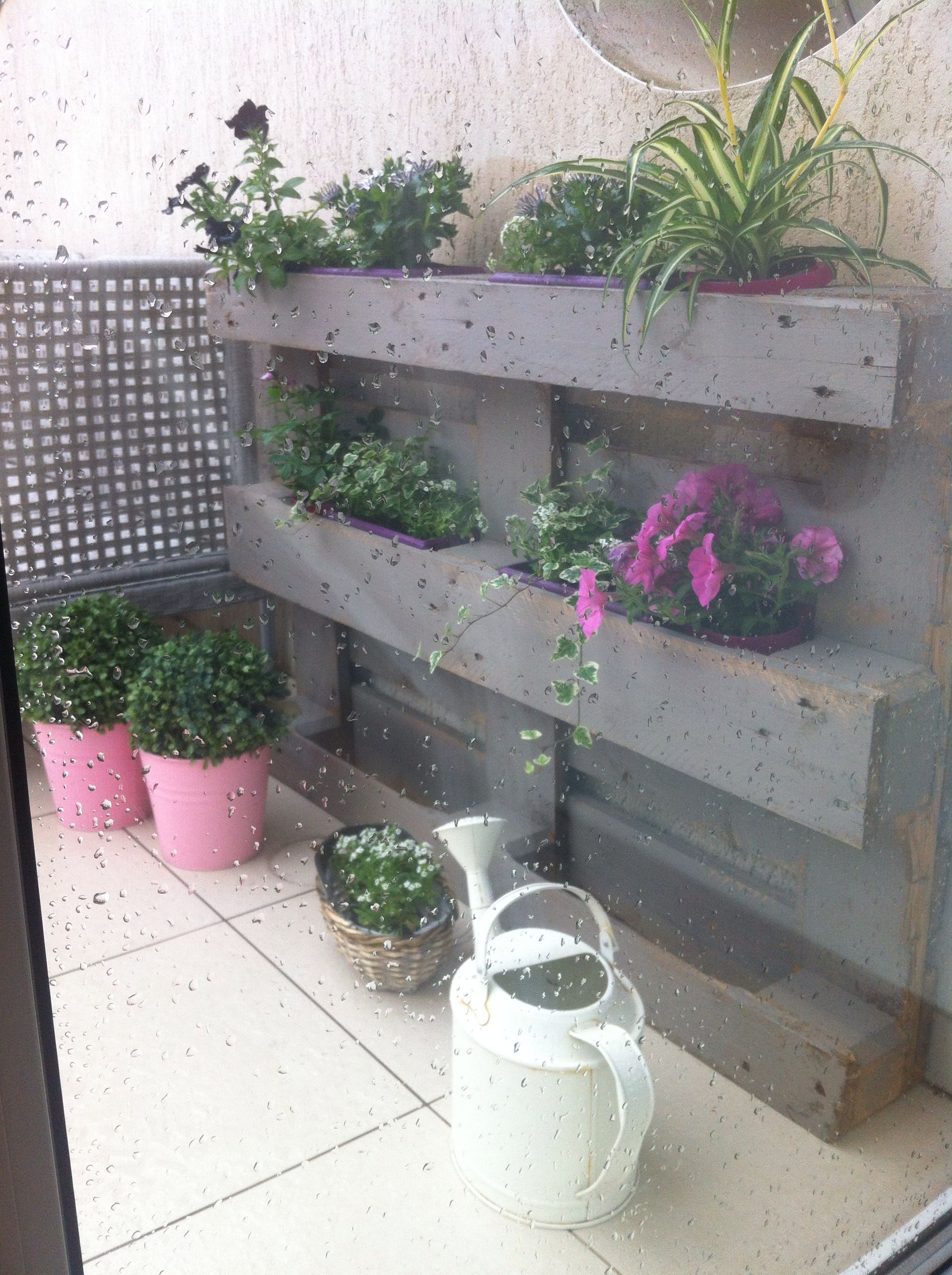 terrasse palette jardin vertical jardini re murale notre loft pinterest terrasse. Black Bedroom Furniture Sets. Home Design Ideas