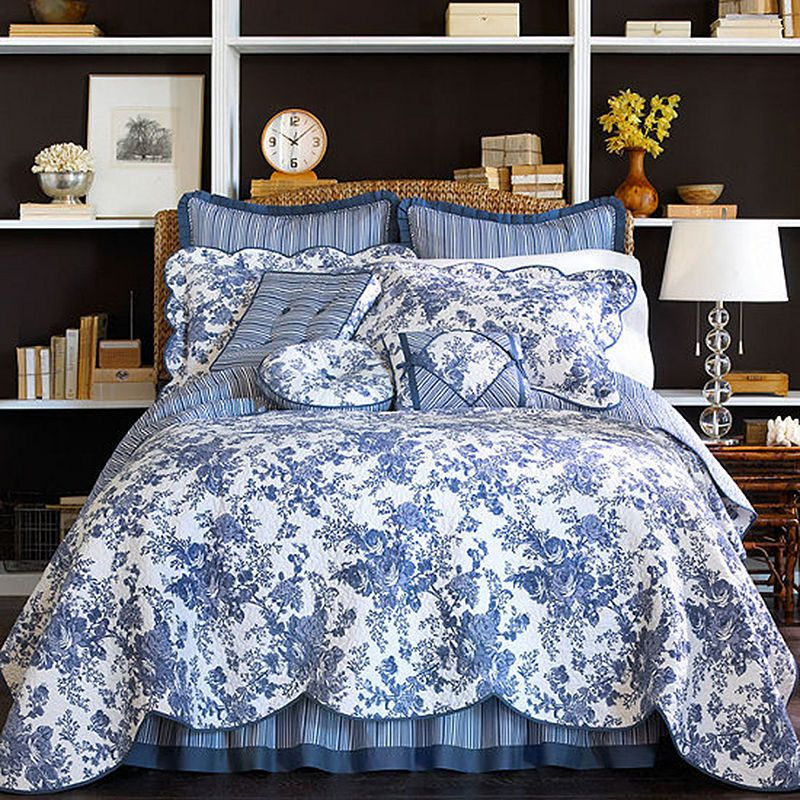 Bedroom Decorating Ideas Totally Toile: Blue Quilt Bedroom, Home Decor, Toile