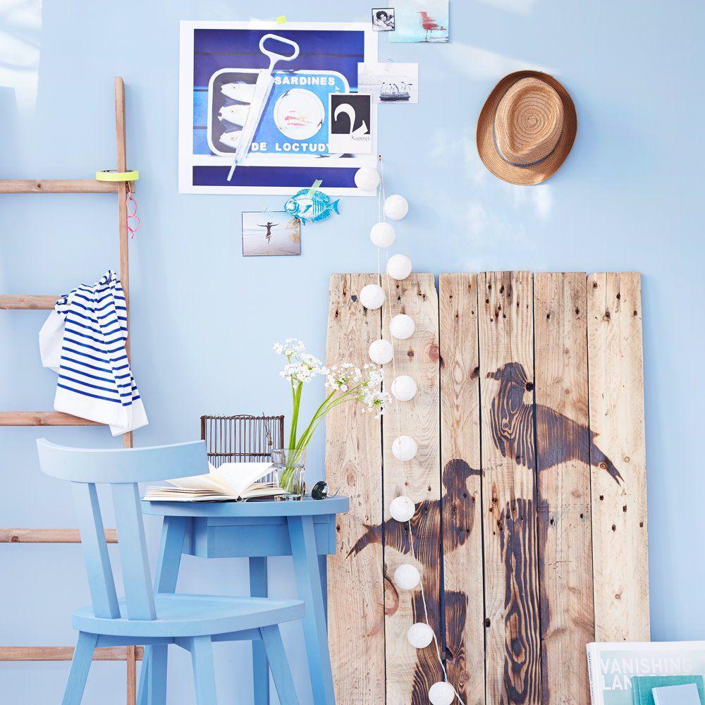 wohnzimmer k che esszimmer bad v gel vogel holz wand stuhl tisch blau streifen. Black Bedroom Furniture Sets. Home Design Ideas
