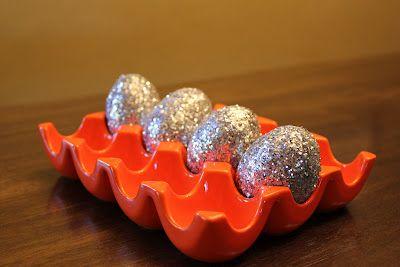 Quick, Cheap & Easy Glitter Eggs!