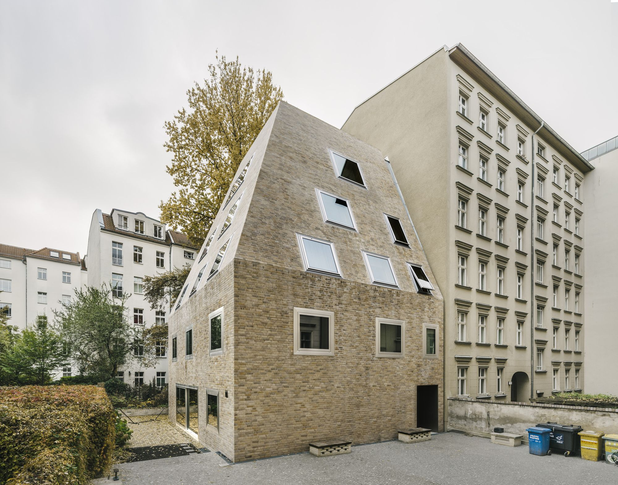 Completed In 2016 In Berlin Germany Images By Simon Menges Laurian Ghinitoiu Christina Moller Tuc Brick Architecture Architecture Residential Architecture