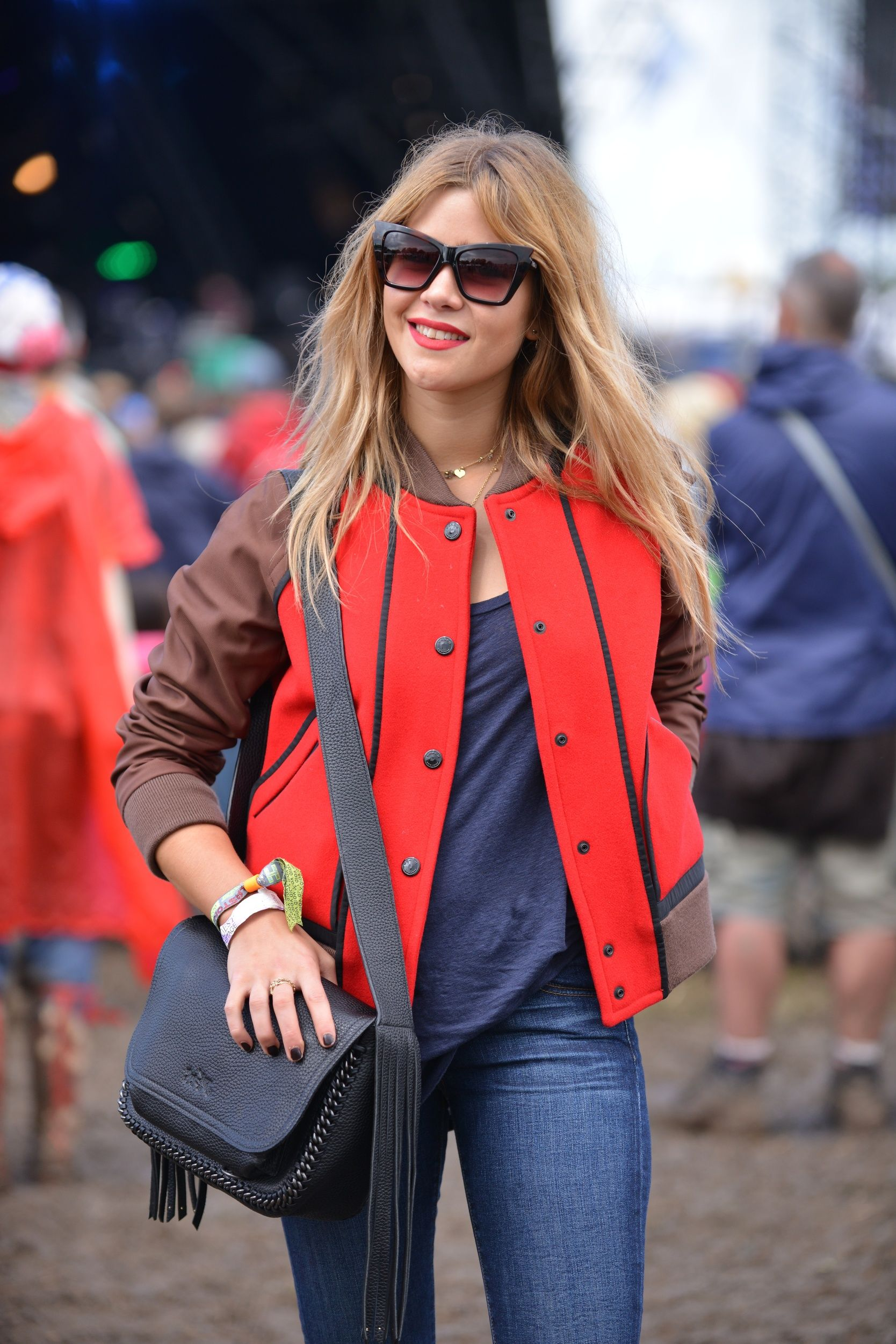 6d0f8d42d Jazzy de Lisser at Glastonbury wearing Le Specs 'Rapture' sunglasses ...