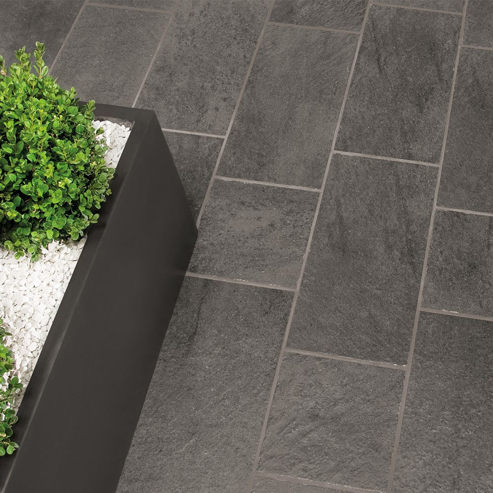 Carrelage Exterieur Imitation Pierre 50x50 Ardesia Grip Naturel Collection Geotech Monocibec Moncarro Geotech Monocibec Carrel Tile Floor Flooring Texture