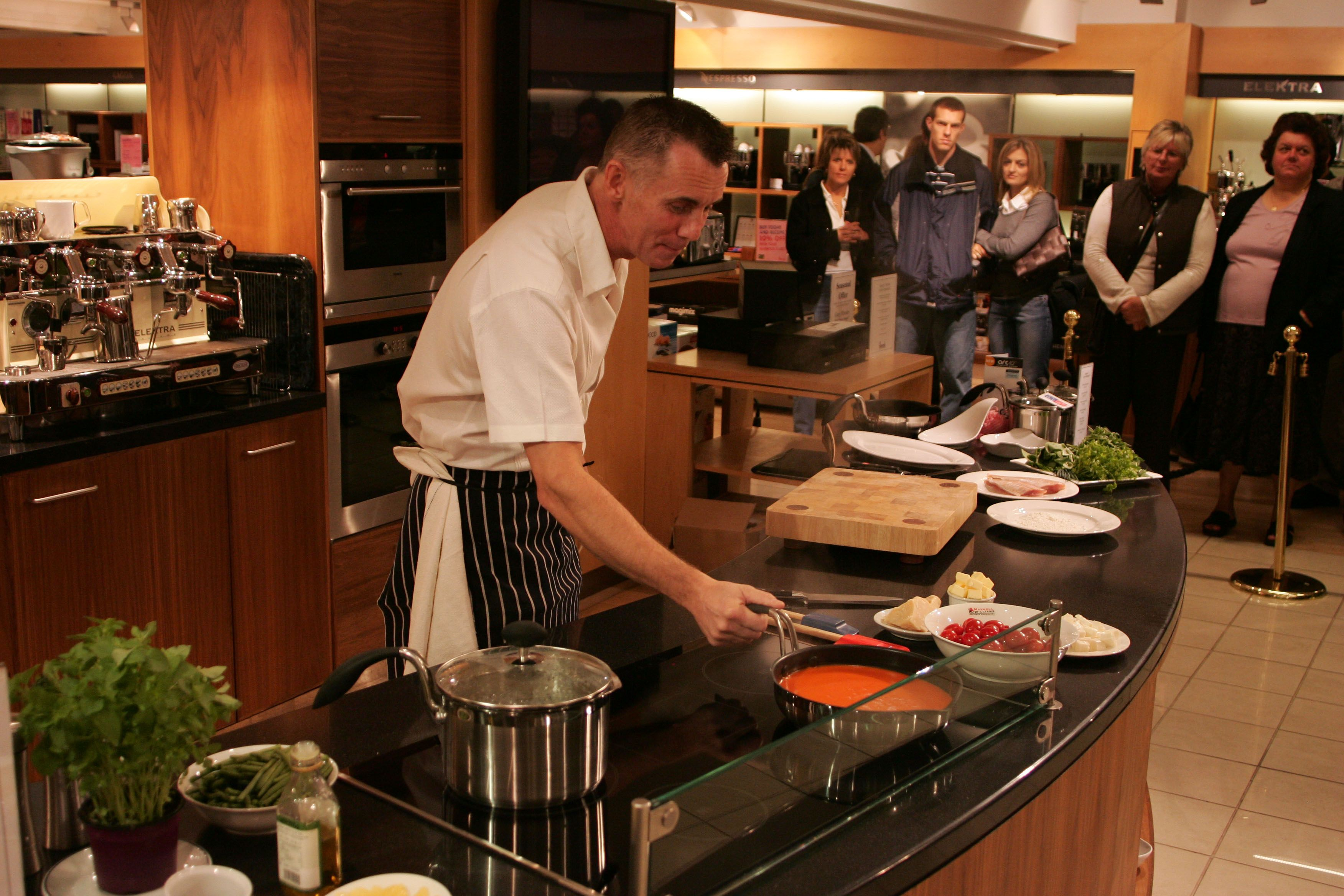 Gary Rhodes Demonstrating Eazigrip At Harrods With Images Table Settings Cooking Harrods