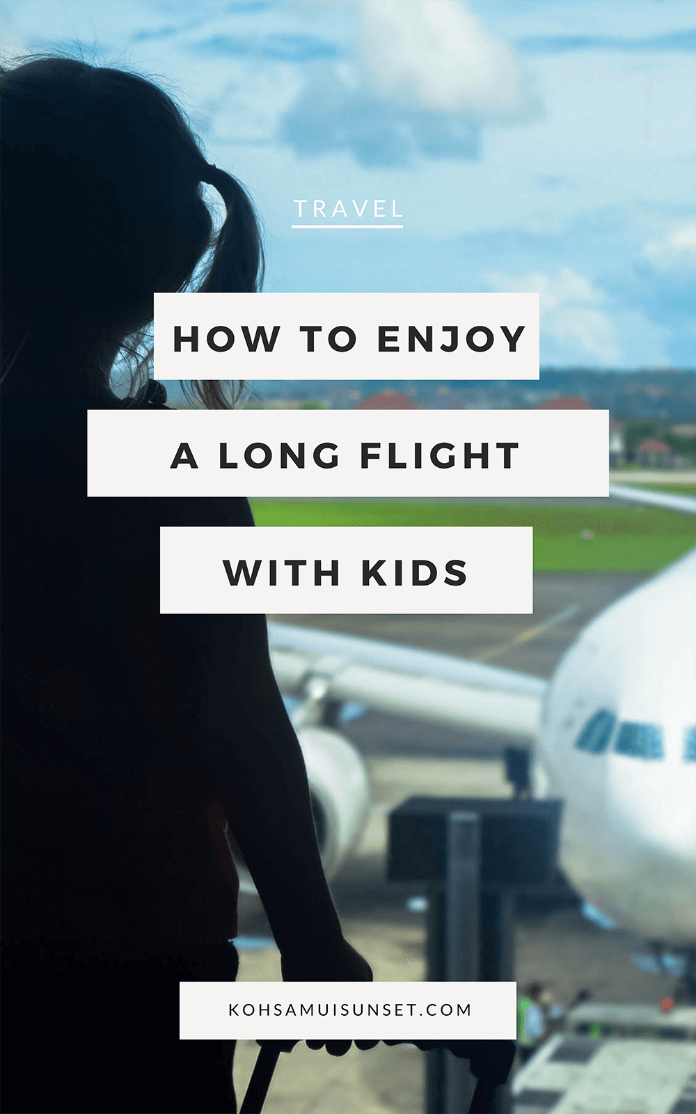 12 Must-Read Tips to Enjoy a Long Flight with Children: Discover 12 tips to enjoy a long flight with children: the best tips for long-haul flights with kids including packing, snacks, strollers, games and BRIBES! | #travel #kids #flying #familytravel