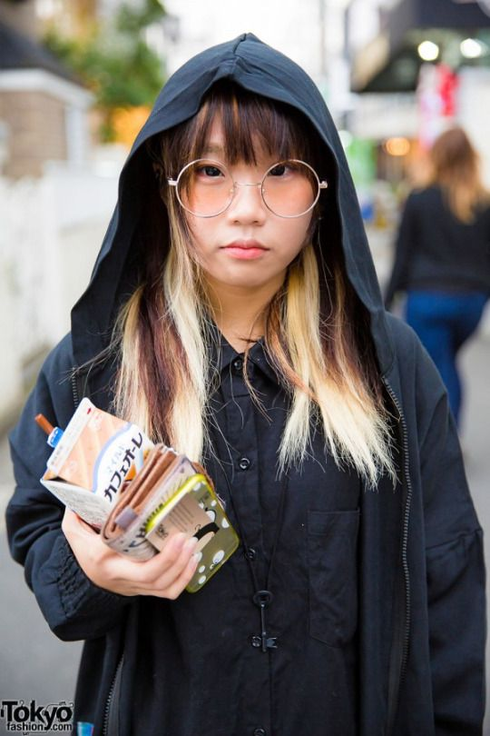 RT @TokyoFashion: Harajuku Girl in Hooded Jacket, Spinns Dress & Tokyo Bopper Milk Crown Shoes http://flip.it/WWzhN