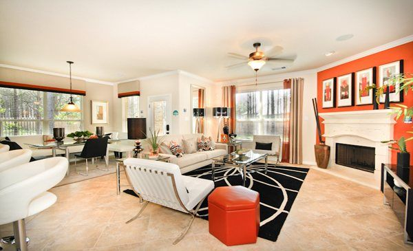 Contemporary-Style Living Area The Woodlands - Creekside Park: Jagged Ridge