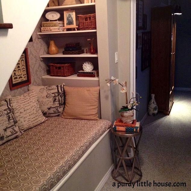 Stylish Understairs Study: Under The Stairs Book Nook #30dayflip