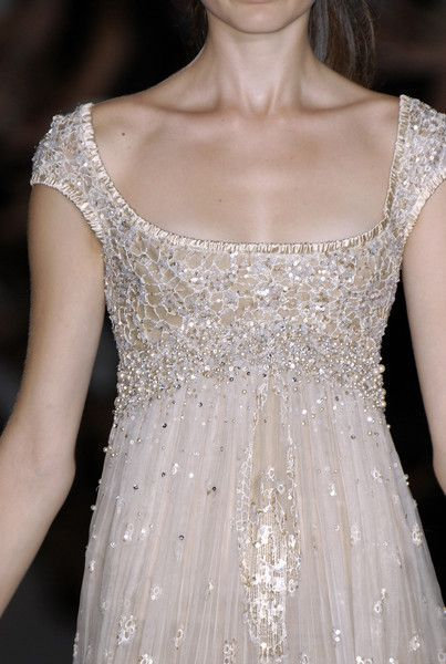 Elie Saab à Couture Automne 2006   – Glamorous Dress & Jewelry