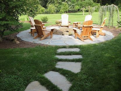 Natural Flagstone Patio & Fire Pit #flagstonepathway