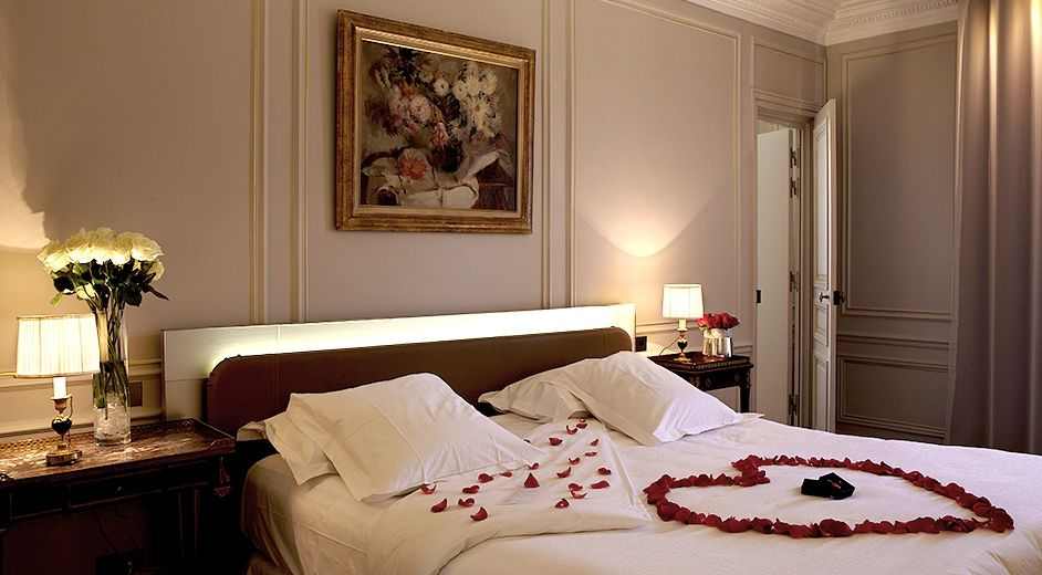 Five Star Boutique Hotel In Paris City Centre With Gourmet Cuisine