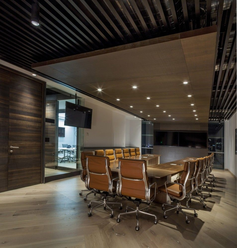 Gallery of grupo cp space 7 screens tvs and meeting for Office design video conferencing