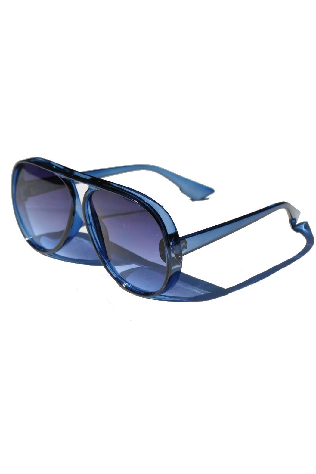 28f4fce649 These sunglasses tho. Everyone else has them in black or brown. Minx  Oversized Aviator Sunglasses - Front Full Image