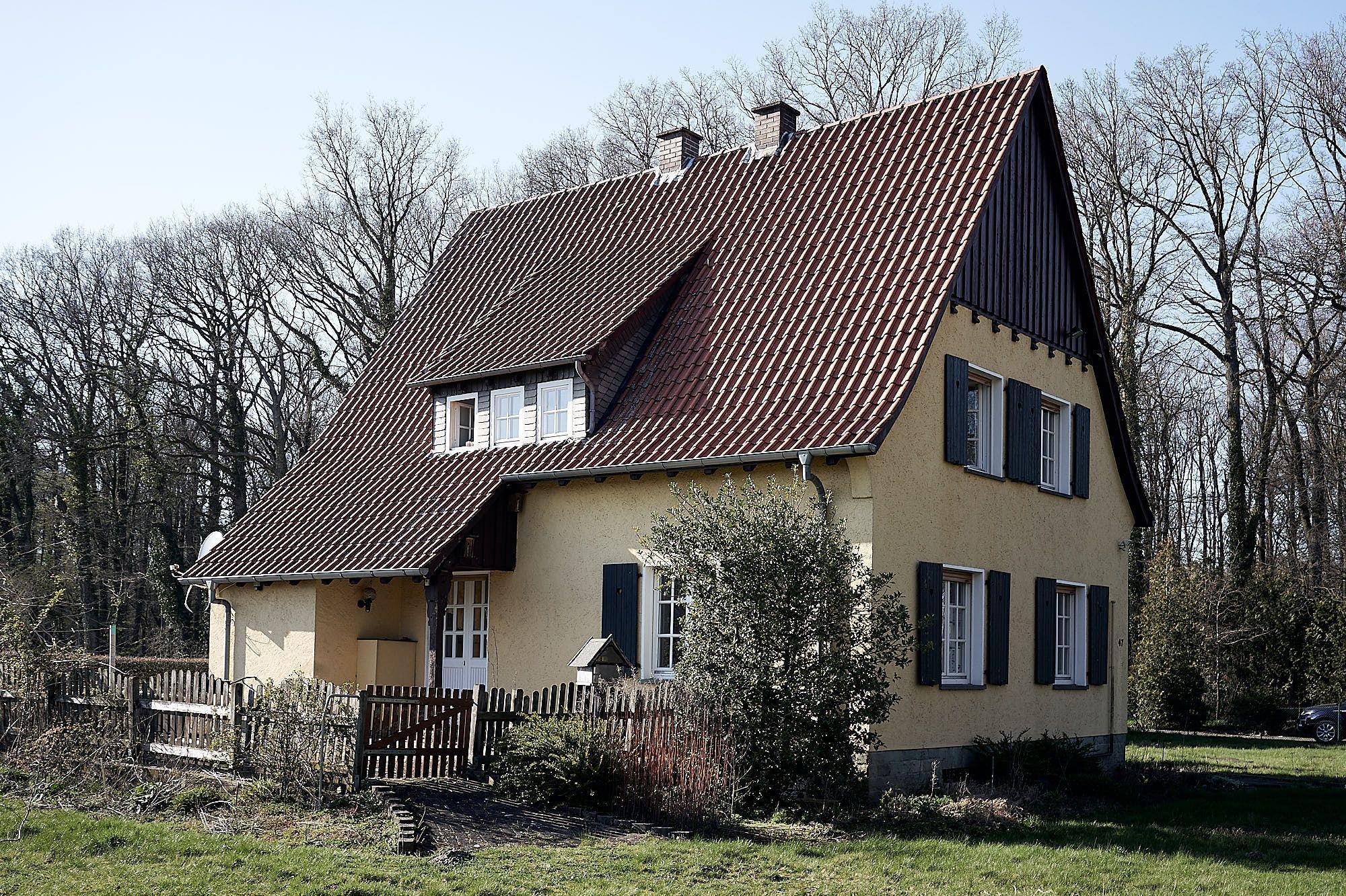 Das Forsterhaus Am Schloss Bosfeld Bei Rheda Wiedenbruck Steht Demnachst Zur Vermietung An Derzeit Wird Noch Renovier In 2020 Zeigt Her Eure Wohnung Vermietung Altbau
