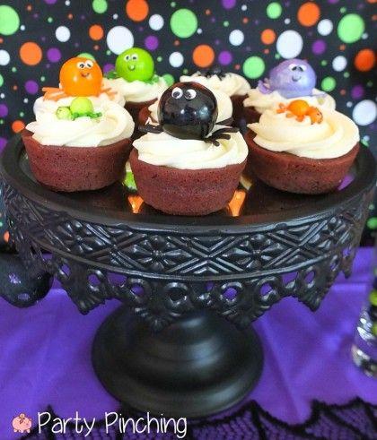spider cupcakes, spider gumballs, cute halloween party ideas, kids - halloween dessert ideas