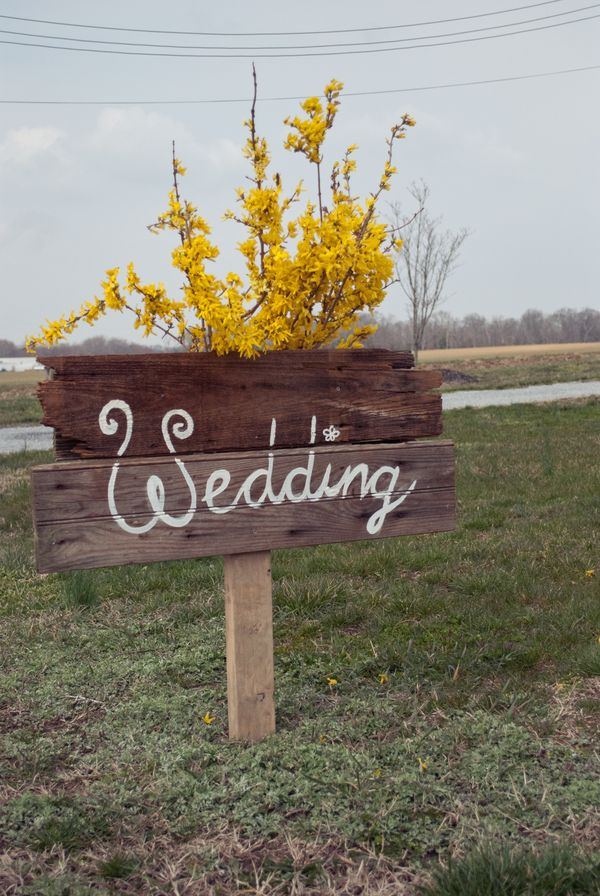 Love the idea minus the yellow. Another arrangement would be great!!