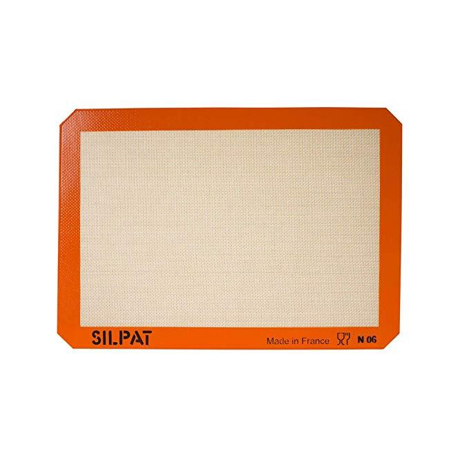 Amazon Com Silpat Premium Non Stick Silicone Baking Mat Half Sheet Size 11 5 8 X 16 1 2 Kitchen Dining Silicone Baking Silicone Baking Mat Baking Mat