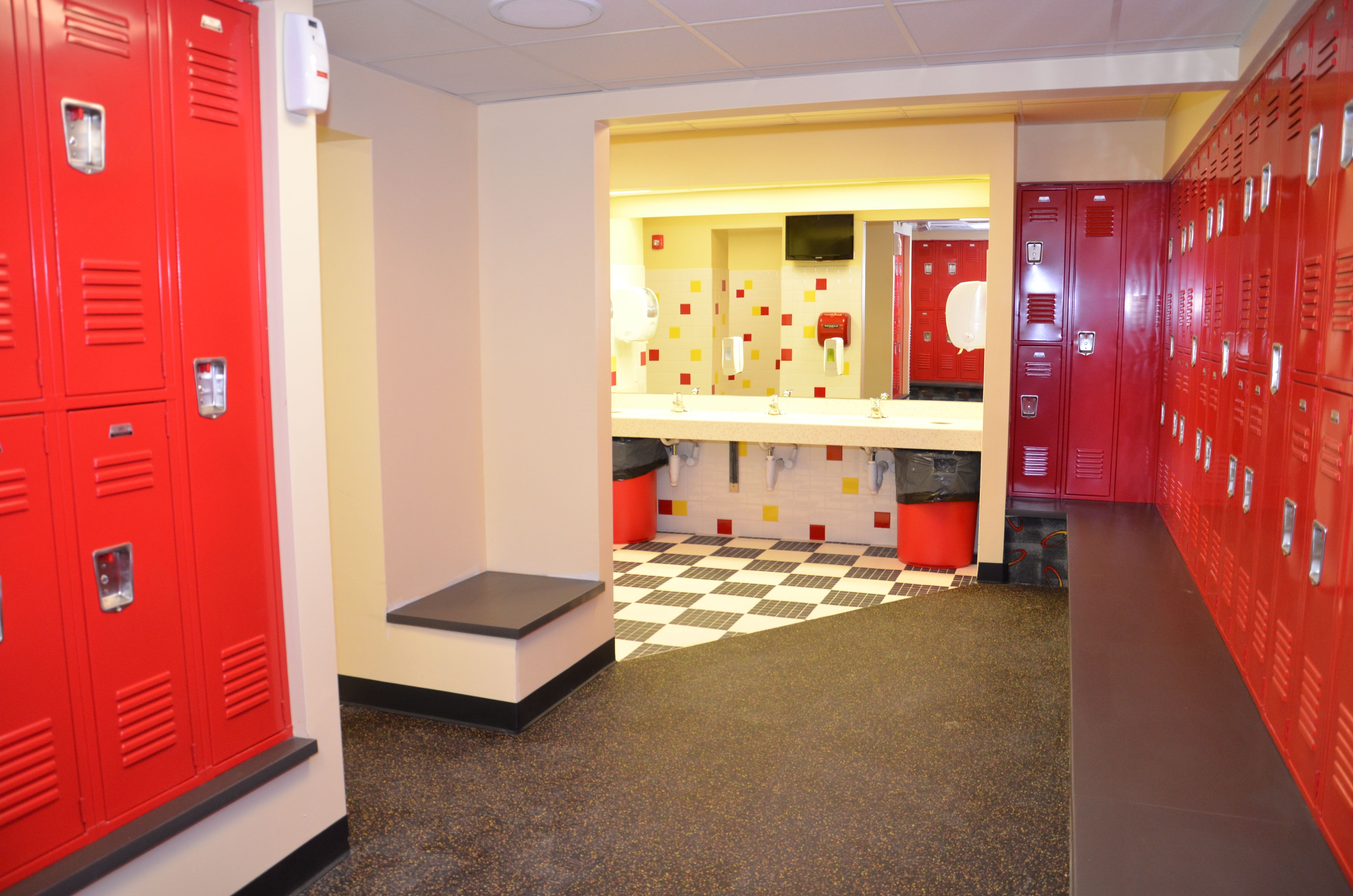 womens locker room | retro fitness tenafly facility pics