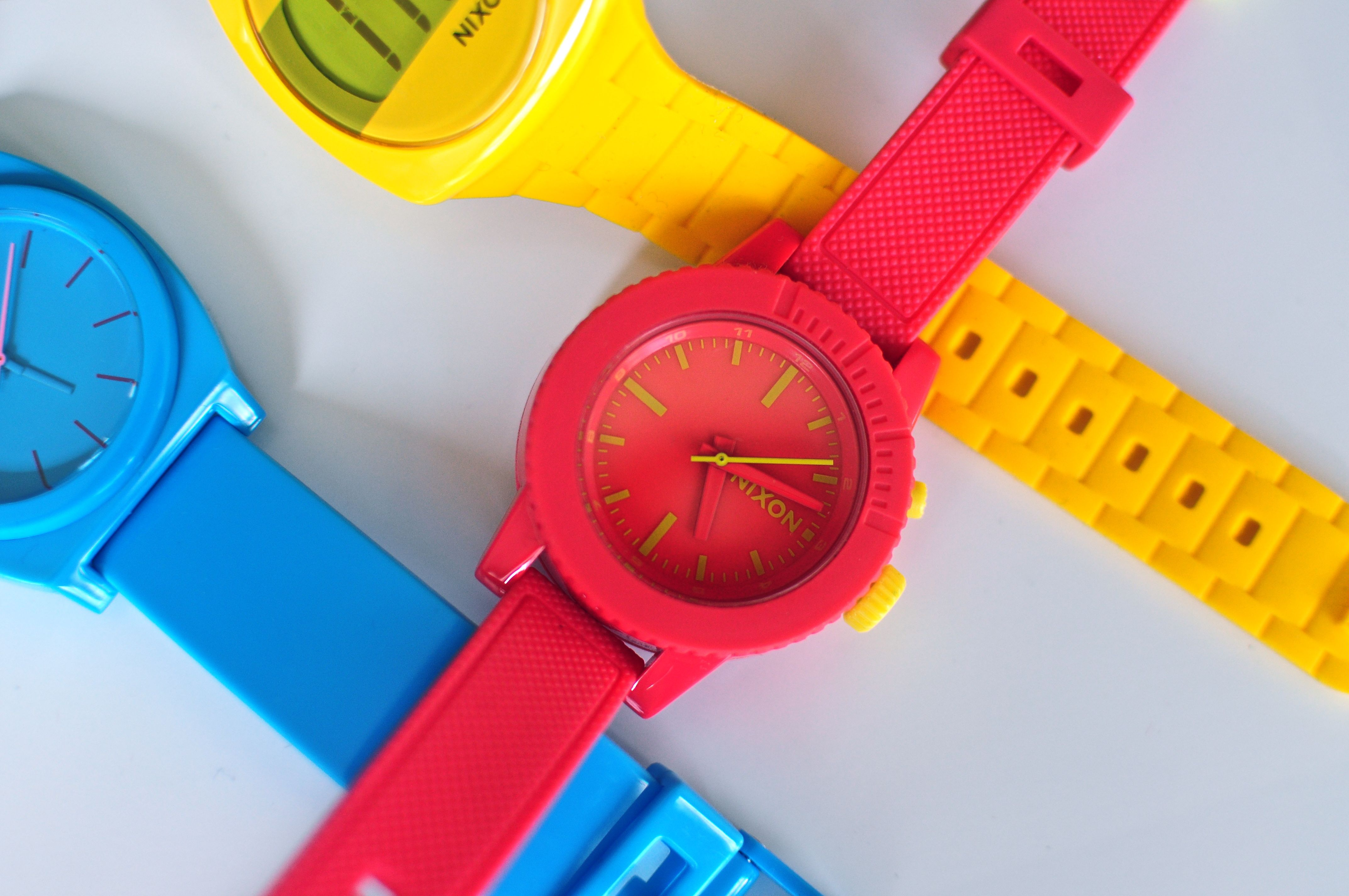 Pin By Agos Alonso On Perspective Red Blue Yellow Colorful Watches Primary Colors